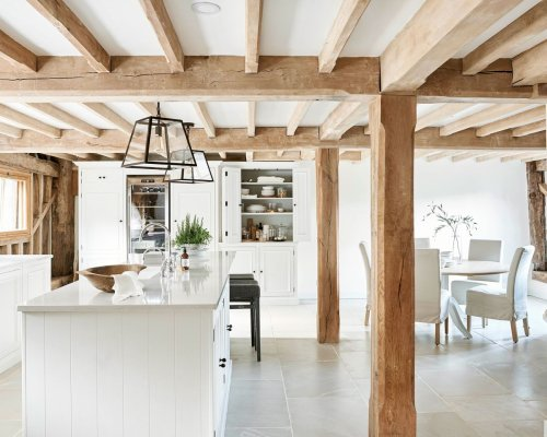 Cook and dine in a pretty, rustic space with these country kitchen diner ideas