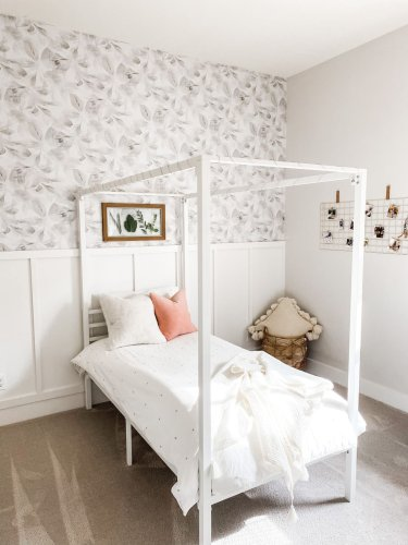 Before & After: A chic, farmhouse-inspired update for a tween girl's room