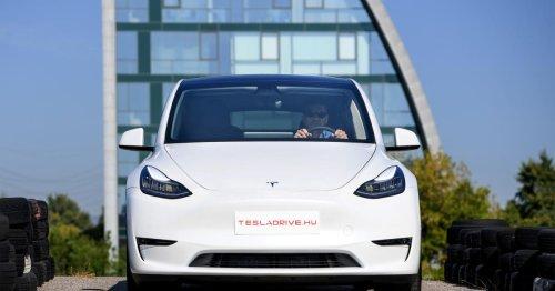 Video: Tesla Model Y absolviert Elchtest