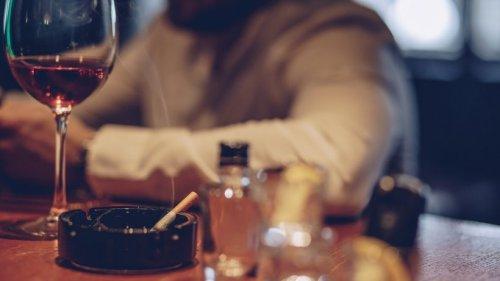 Mit nur 2 Fragen kannst du Alkoholiker erkennen – laut Studie