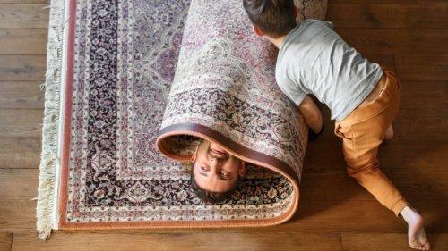 Giftige Stoffe gelangen in die Luft: Mit einem Bodenbelag solltest du aufpassen