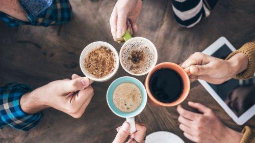 Kaffee mit oder ohne Milch trinken? Die Forschung gibt eine eindeutige Antwort