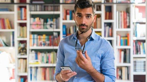 Handy-Code soll zeigen, ob du abgehört wirst: Das steckt wirklich dahinter