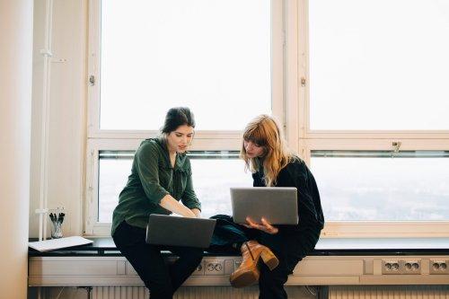 Zwei Laptops miteinander verbinden – So geht´s