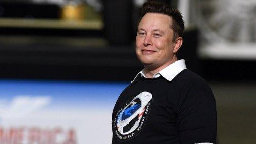 """Elon Musk ist """"großartig"""" und """"inspirierend""""? Das sollen seine Mitarbeiter sagen"""