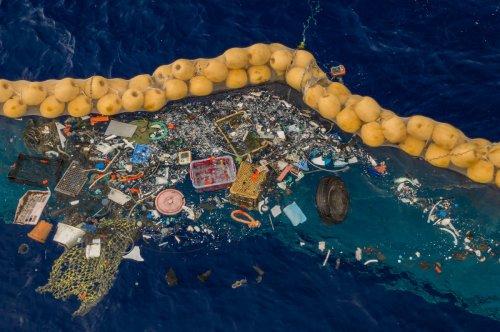 Huge Machine Cleans Up Vast Load of Ocean Plastic