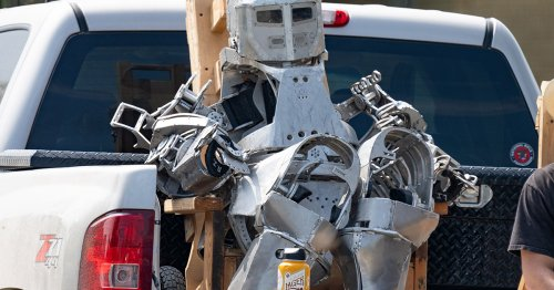 Mysterious Robot Suit Spotted at SpaceX Base