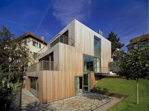 Haus am Hang: A New Family Home with A Maximum Use of the Whole Plot