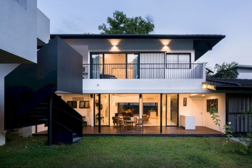 Eigent House: A Young Family House with Simple Existing Spaces