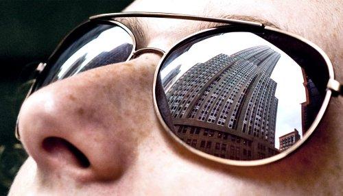 New material avoids AR/VR glasses 'bug eyes' - Futurity