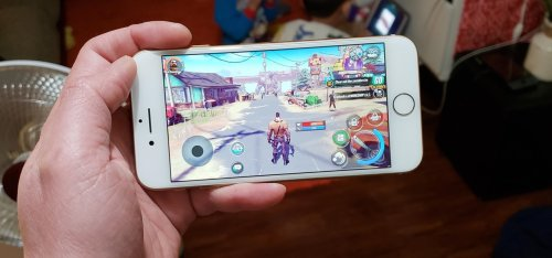 You Can Play Dead Rivals & Slaughter Zombies on Your iPhone Right Now