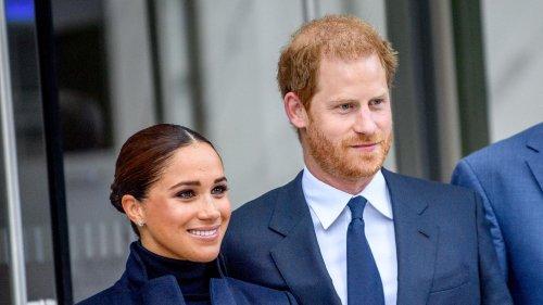 Herzogin Meghan + Prinz Harry: Ihre Körpersprache ist weniger liebevoll