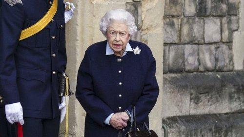 Queen Elizabeth: Große Sorge! Die Königin sagt erneut eine Reise ab