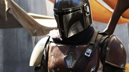 """The Mandalorian Showrunner Talks About Exploring The Freaky """"Mad Max Aspect of Star Wars"""""""