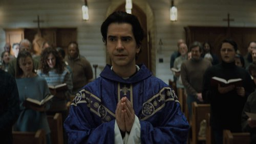 Netflix's Midnight Mass Review -- Take Me To Church