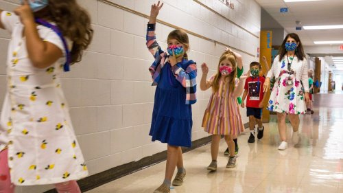 Masks help keep students safe from COVID, studies say; vaccine mandate for NYC teachers temporarily blocked. Latest COVID-19 updates