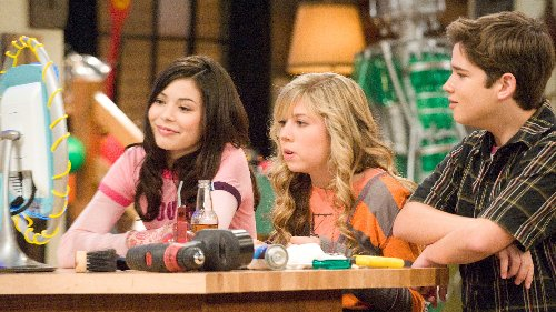'iCarly' and Miranda Cosgrove denounce racism after Laci Mosley faces cyberbullying: 'Racism kills'