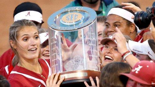See Alabama softball celebrate beating Florida to win the 2021 SEC Tournament title
