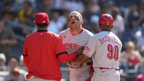 Joey Votto signs ball for fan after ejection: 'I am sorry I didn't play the entire game'