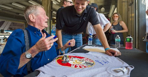 Bobby Unser, three-time Indy 500 champion, dies at 87: 'There was nobody like him'