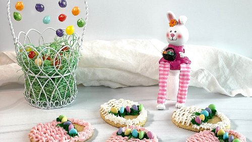On the hunt for beautiful Easter basket cookies? Here's how to make them at home.