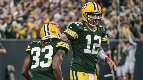 Aaron Rodgers rebounds in big way, Aaron Jones shines as Packers take down Lions