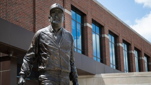 Former Michigan football players begin online petition defending Bo Schembechler's legacy