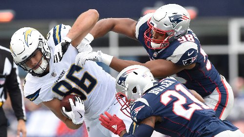 Tuesday's NFL free agency roundup: Patriots strike again, sign TE Hunter Henry; several quarterbacks switch teams
