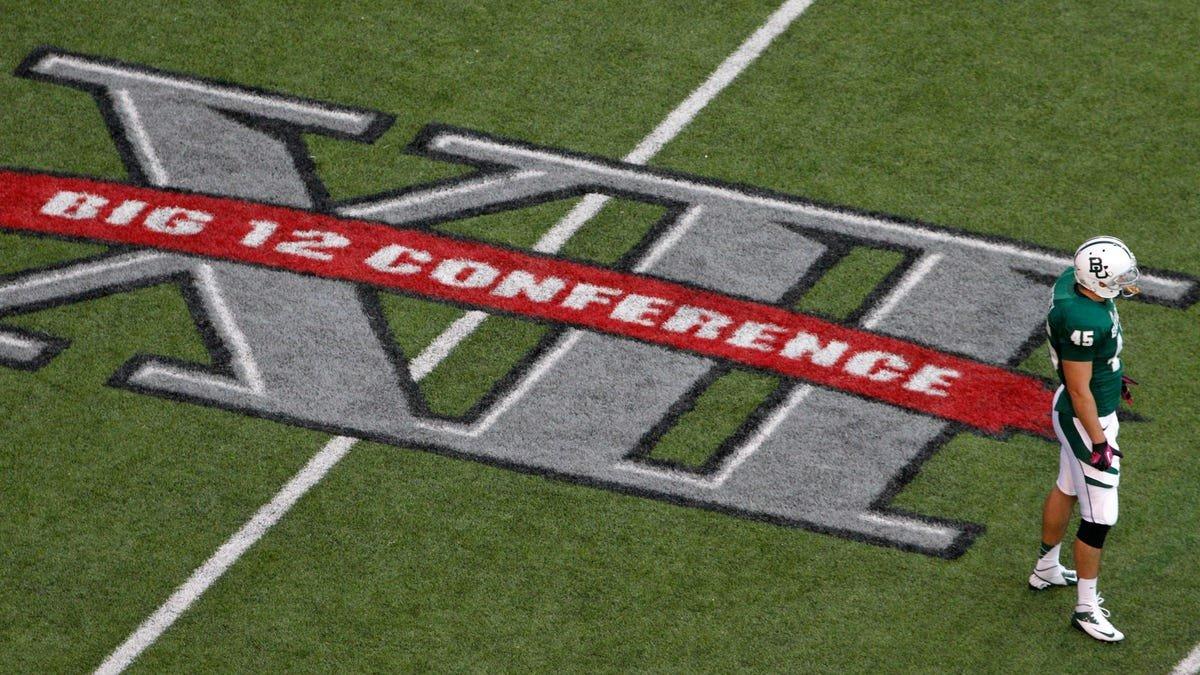 Texas, Oklahoma could start college football scramble