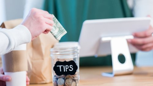 Restaurant etiquette debate: Should you add a tip when you order takeout food?