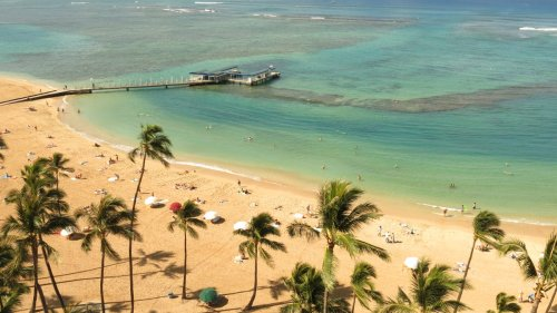 Hawaii tourism officials plan to reduce the number of visitors in Oahu
