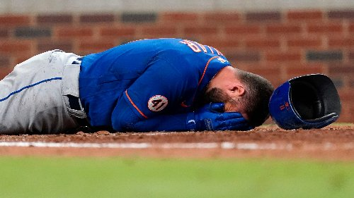 New York Mets' Kevin Pillar hit in the face by a pitch, leaves game vs. Atlanta Braves