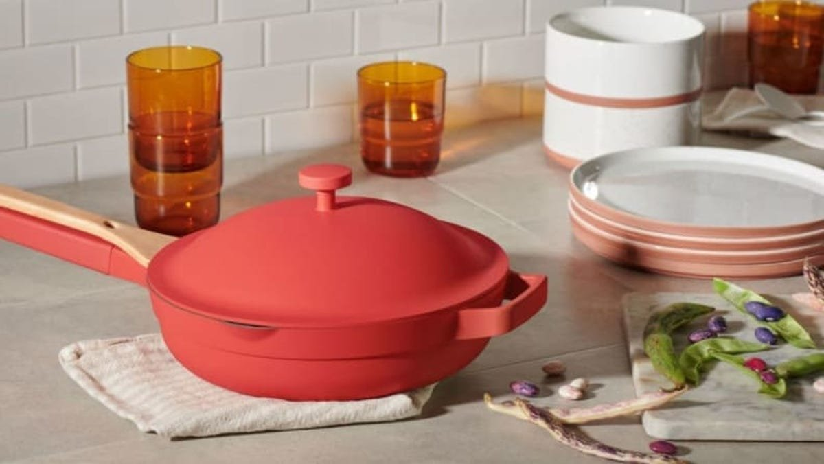 The Always Pan combines 8 pieces of cookware into 1—and it's on sale for Father's Day 2021