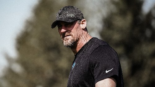 Opinion: Lions coach Dan Campbell kicks off his tenure with a couple of questionable calls