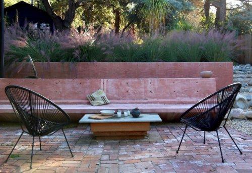 Pretty in Pink: An Artist's Dry Garden in LA's Topanga Canyon - Gardenista