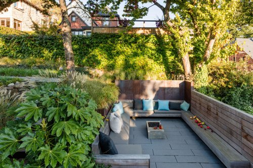 Landscaping Ideas: A Sunken Verdant Courtyard for a Seattle Home on a Slope - Gardenista