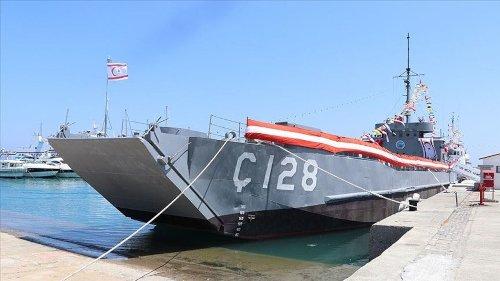 'Kıbrıs Harekatı'nda kullanılan geminin üzerindeki 128 ibaresini sildiler'