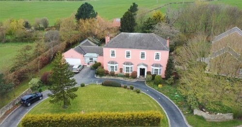 Well-known luxurious five bedroom 'Pink House' now on the market