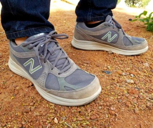 Pavement Pounder: New Balance 877 Walking Shoe