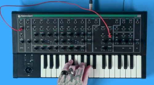 Superbooth 2021: Malevolent – an evil little patchable monosynth