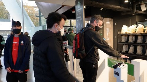 'I got a beer in 8 seconds': Testing Amazon's cashierless tech at an NHL game inside Climate Pledge Arena