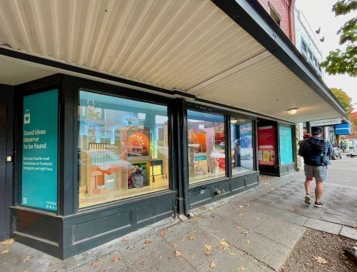 Facebook uses a Seattle storefront loaded with QR codes to drive offline shoppers to online businesses