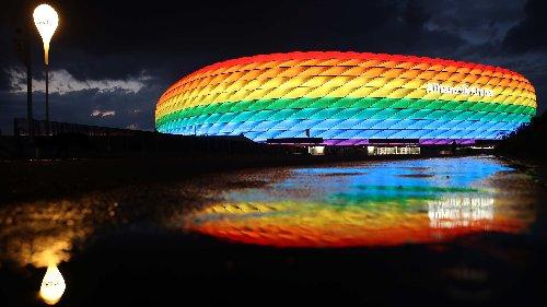 UEFA verstrickt sich in Widersprüche: Entscheidung gegen regenbogenfarbenes Stadion erntet Kritik