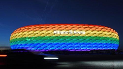 Aus Protest gegen UEFA: 8 deutsche Klubs leuchte ihre Stadien bunt aus