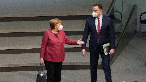 Sommerurlaub für alle: Auslandsreisen laut Merkel und Spahn möglich
