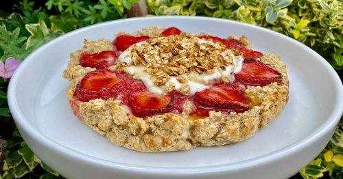 We give baked oats recipe scrumptious strawberry shortcake twist