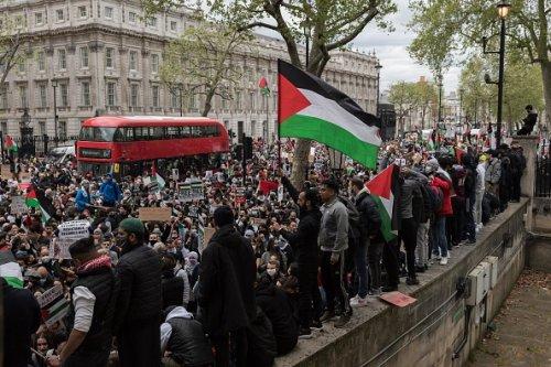 London Demonstrators Protest Escalating Violence in Gaza