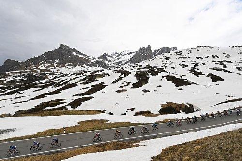 La ventesima tappa del Giro d'Italia sul Passo San Bernardino