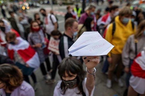 Manifestazione dei bielorussi che vivono in Polonia dopo il dirottamento del volo Ryanair