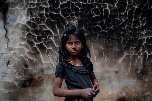 Incendio in un campo profughi di rohingya in Bangladesh: